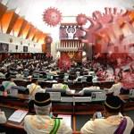Parlimen masih tak boleh bersidang? Kami cuba cari logik disebalik keputusan ini