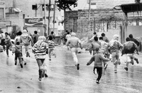 palestin lari dari israel