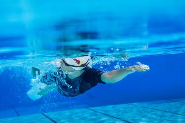 【游泳的分解動作訓練 6. 三次划手換邊自由式】