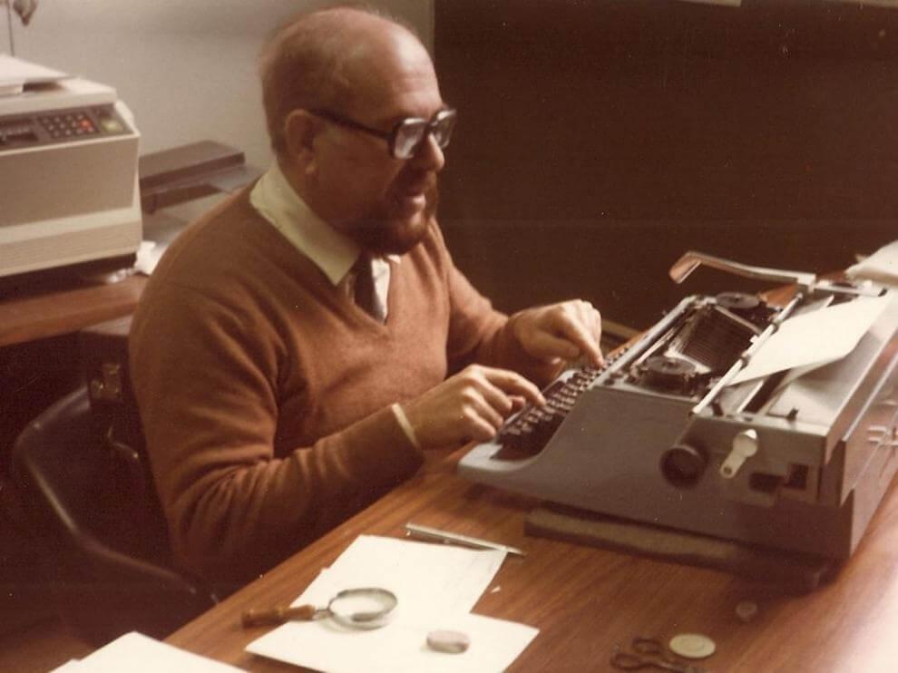 Alexandre Eleazar en su despacho