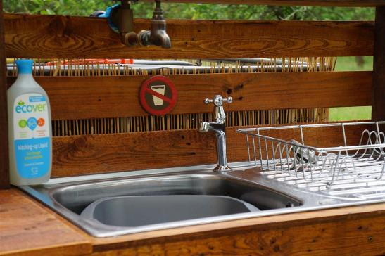 Washing up sink