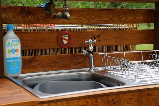 Washing up sink