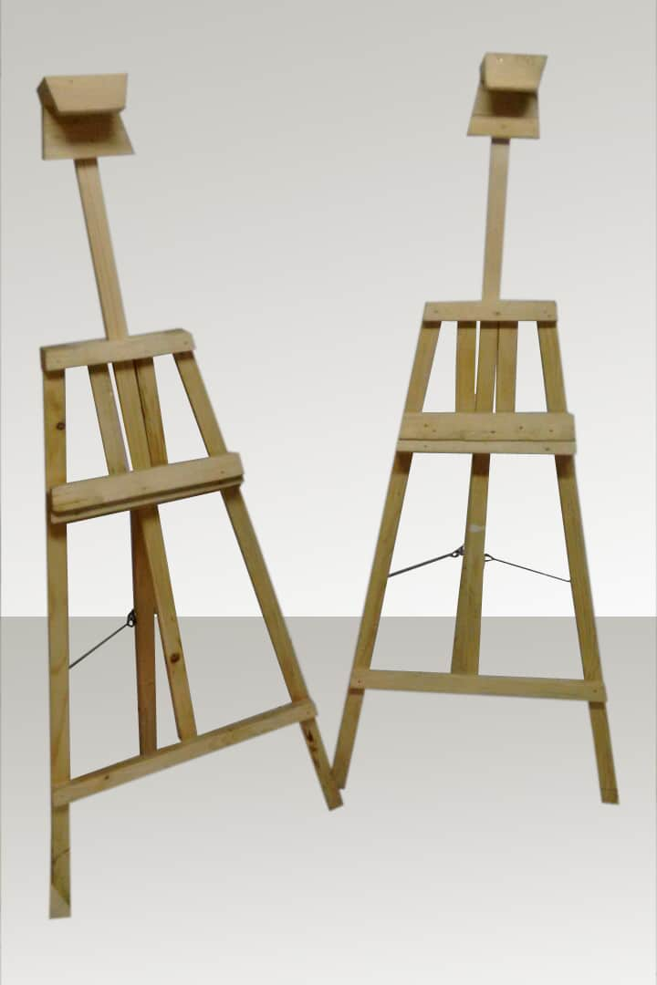 easel standee with extensible back support to hold signboards of different sizes