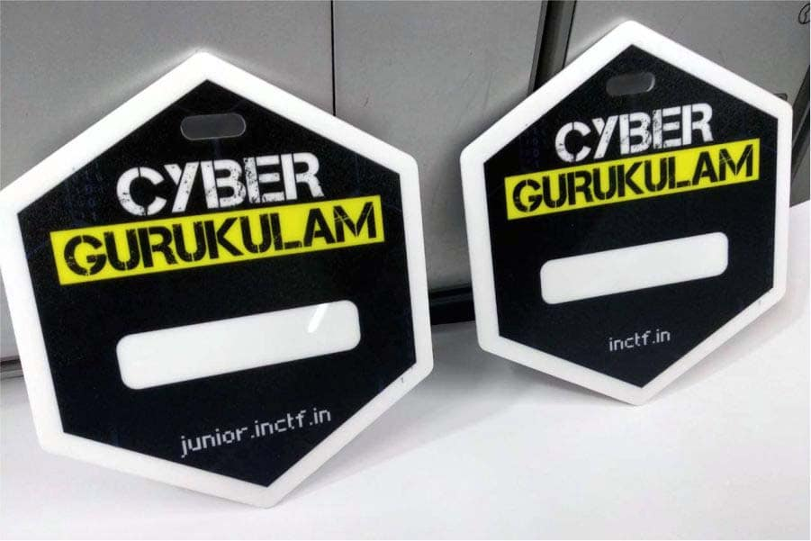 Custom printed badges made of acrylic and MDF