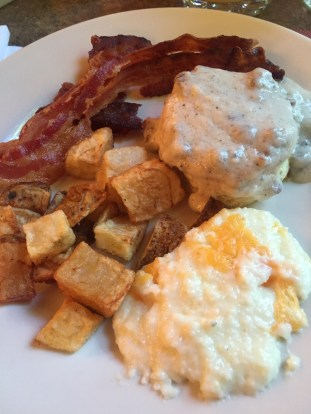 Full Southern breakfast at Beaumont Inn