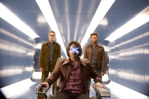 Wolverine (Hugh Jackman) rejser tilbage i tiden, for at få hjælp Charles Xavier og Hank McCoy til at redde fremtidens x-men. Foto: SF Film