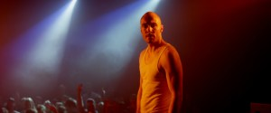 Rasmus Hammerich i rollen som den erfarne rapper Apollo.