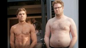Frat-guy vs. Family Guy. Zac Efrons vaskebræt bliver luftet i Bad Neighbours, men akkompagneres af Seth Rogens noget mere normale, men også halvfede kropsbygning.