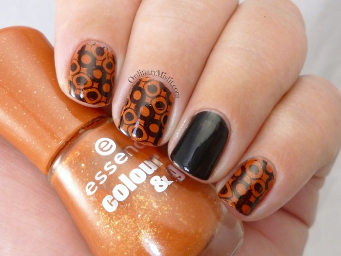 Polka dotty bling bling nail art 3