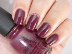 China Glaze - Purr-fect plum