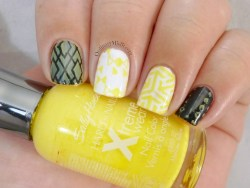 Sally Hansen - Mellow yellow