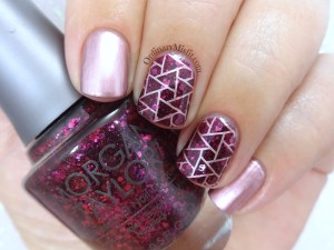 Pink treasure nail art