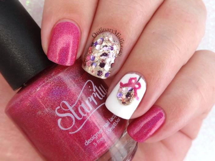 Pinkmas nail art