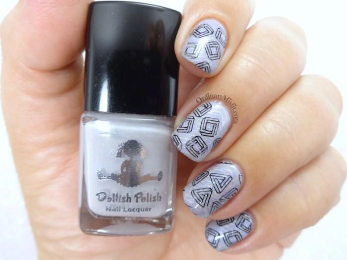 Layered swirls nail art