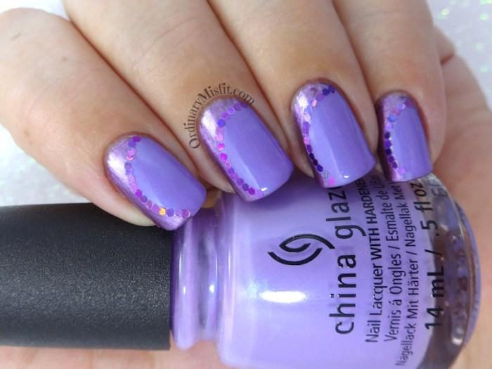 Vertical curves nail art