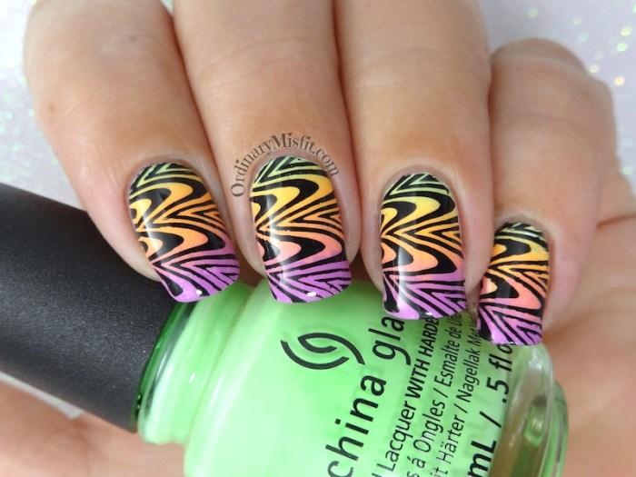 Gradient marble nail art