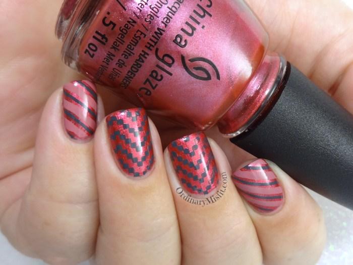 Berry stripes nail art