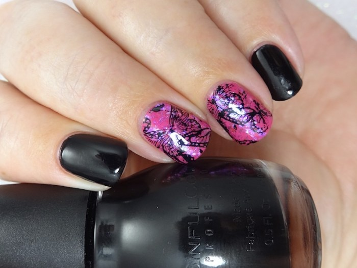 Broken butterflies nail art