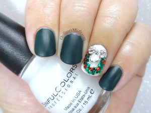 Ribbons & wreaths christmas nail art