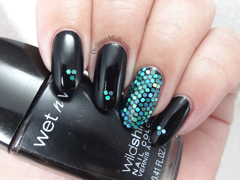 52 week nail art challenge - Week 12: Glitter