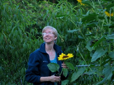 Ordinary Spouse with sunflower