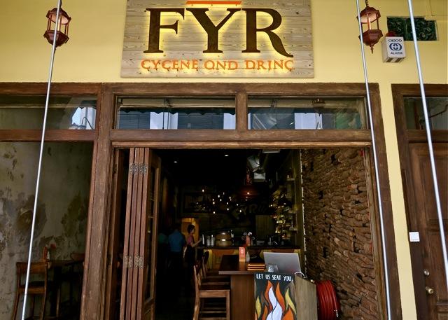 FYR Cycene ond Drinc Restaurant Singapore20
