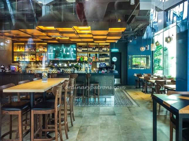 Harry's Bar South Beach