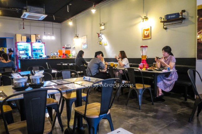 Oven & Fried Chicken (오꾸닭 & 쌀통닭) Tanjong Katong