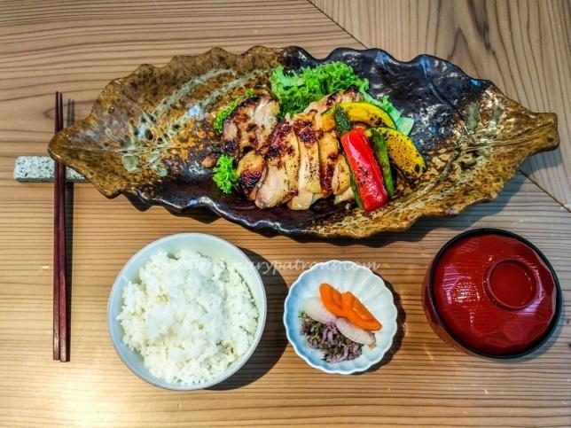 Ryu's Japanese Restaurant Grilled Chicken Set