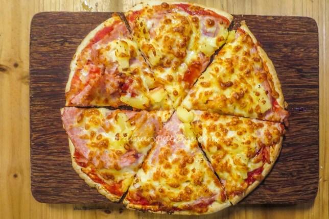Crust Hawaiian Pizza