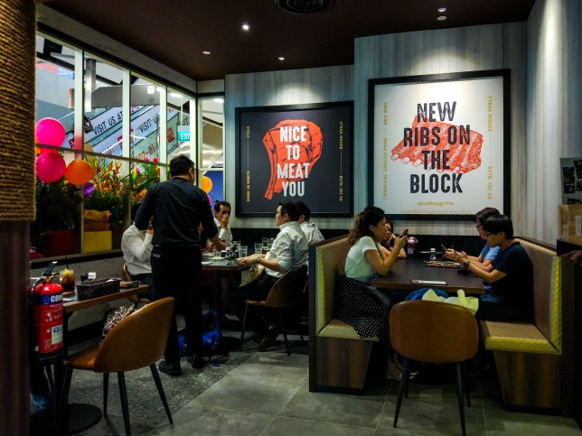 PLQ Mall Restaurant & Bar - Collin's