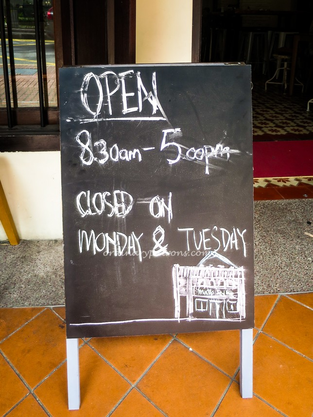 Opening Hours of Micro red | house