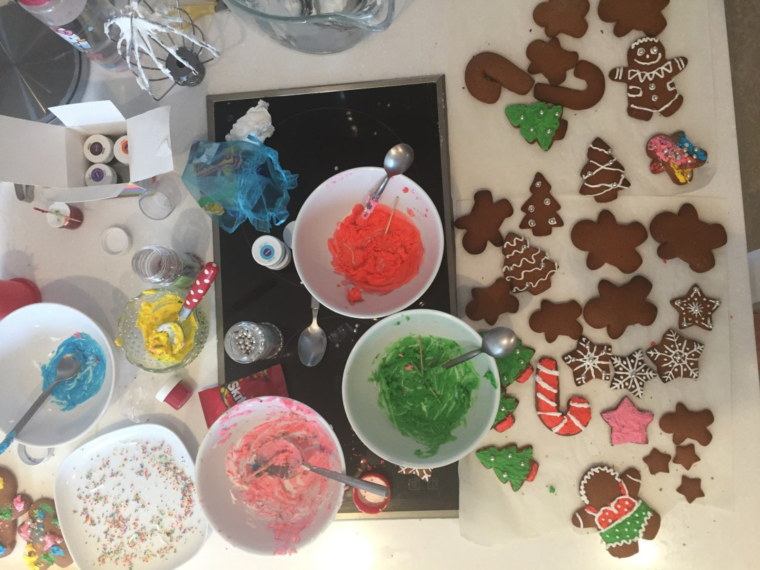 ginger bread deccorating