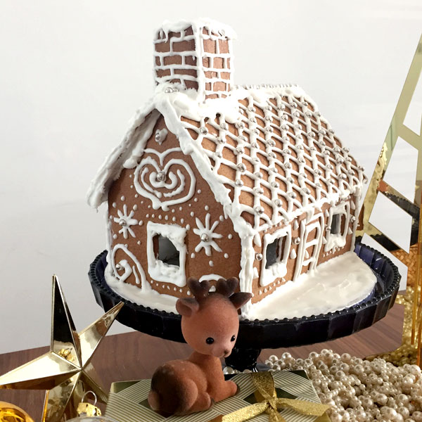 Gingerbread house detailing