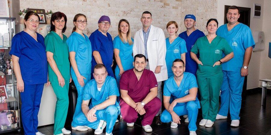 Rinoplastia este o operație de chirurgie estetică a nasului