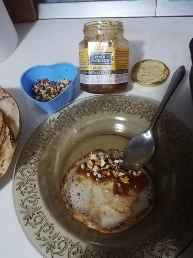 clatite cu miere si nuca