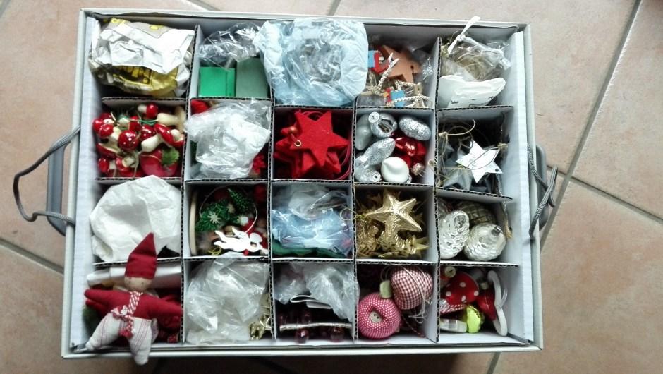 Weihnachtsdeko in praktischer Box