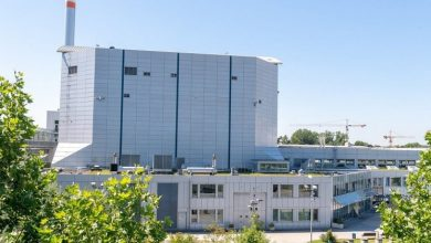 Photo of Radioactive C-14 emerges from research reactor in Germany
