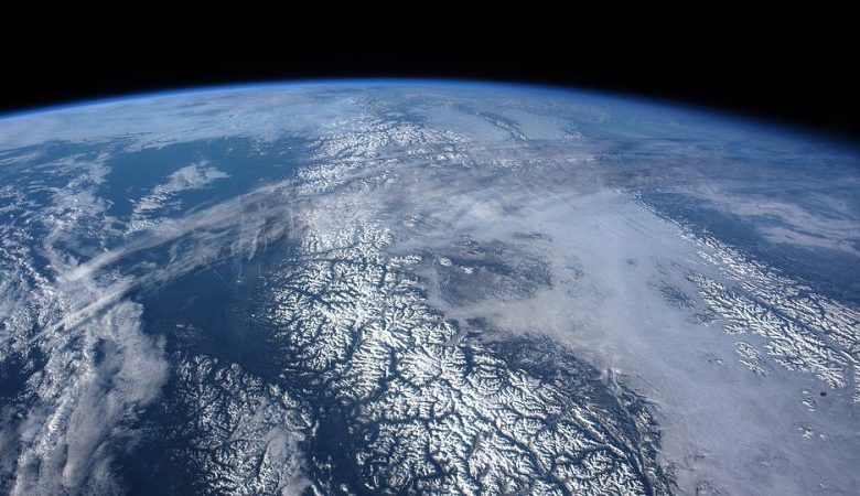 Ex NASA employee claims to have seen photos in which the Earth is flat