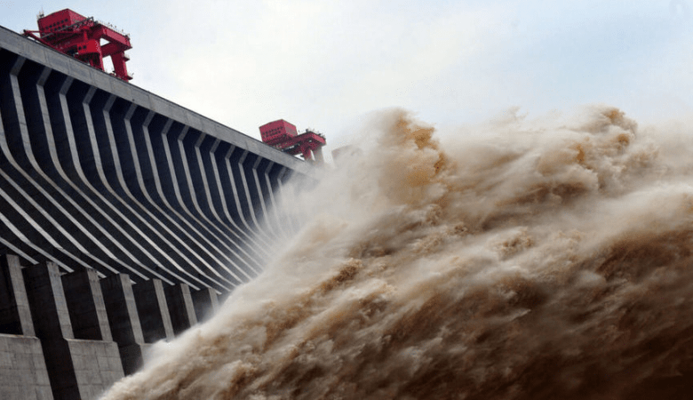 The worlds largest Three Gorges Dam can break through at any time