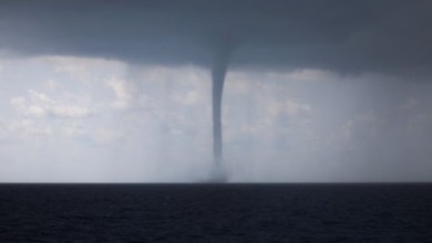 Photo of A giant waterspout came ashore in Salerno, Italy