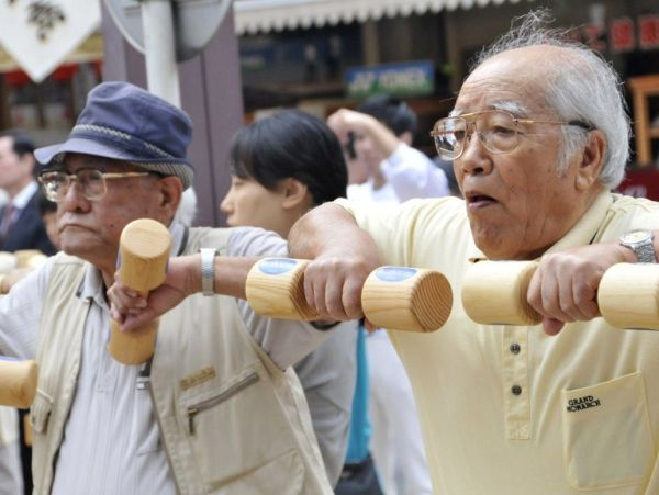 Record more than 80 thousand people live in Japan at the age of 100 or more