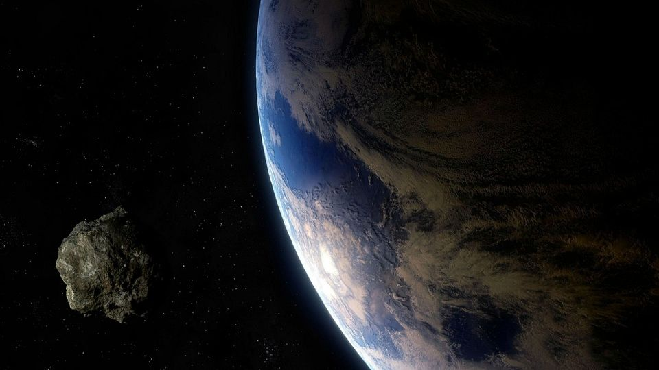 Asteroid 2018 VP1 flies to Earth what threat does it pose