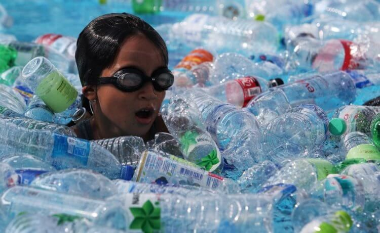 Which country pollutes the planet the most with plastic and why