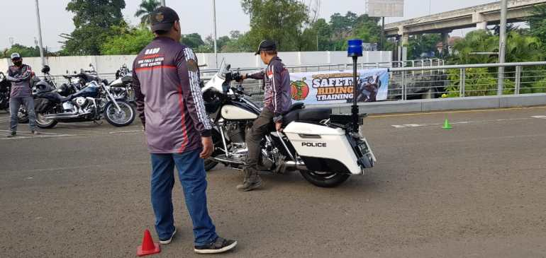Safety riding and precision skill Riding HOG Jakarta Chapter
