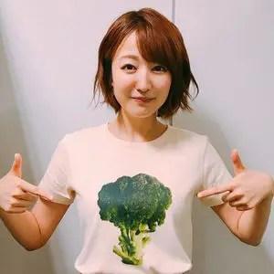 滝菜月 野菜Tシャツ