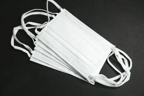 アベノマスク変な糸の画像は?安倍総理の国会中継でぴろーん!