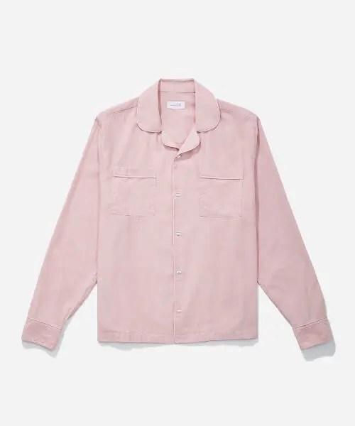 ドライブスルーでちょいマックのキムタク着用ピンクシャツのブランドを紹介します