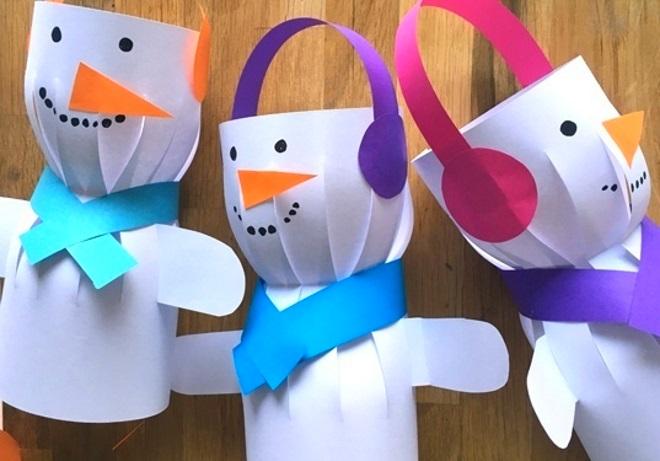 Muñecos de nieve de papel