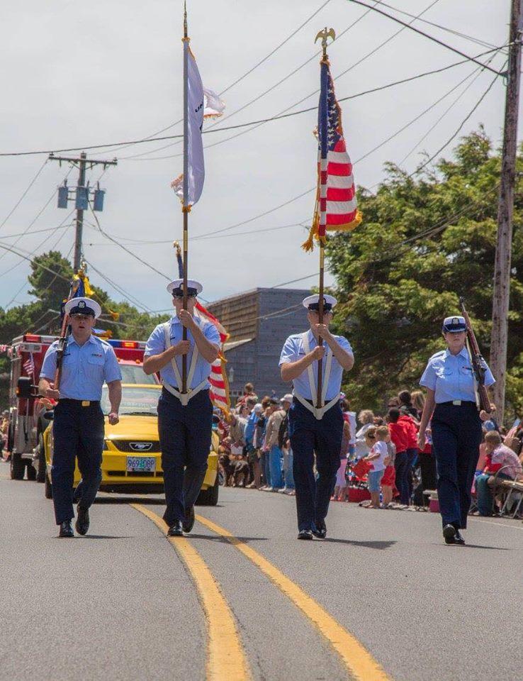 Gleneden Beach Parade 14 Military